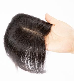 人毛トップヘアピースのつけ方1