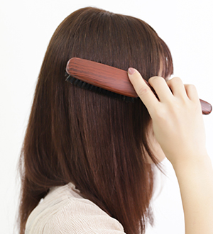 人毛トップヘアピースのつけ方6